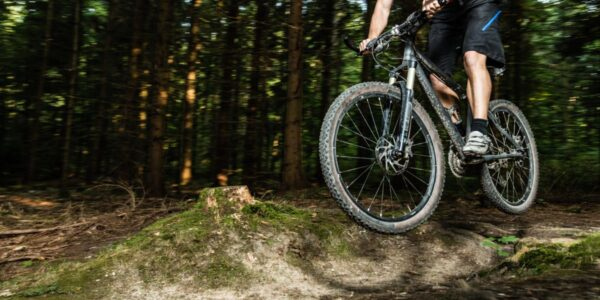 Mountainbike Fahrtechnik: 4 Tipps für Anfänger | #BeatYesterday