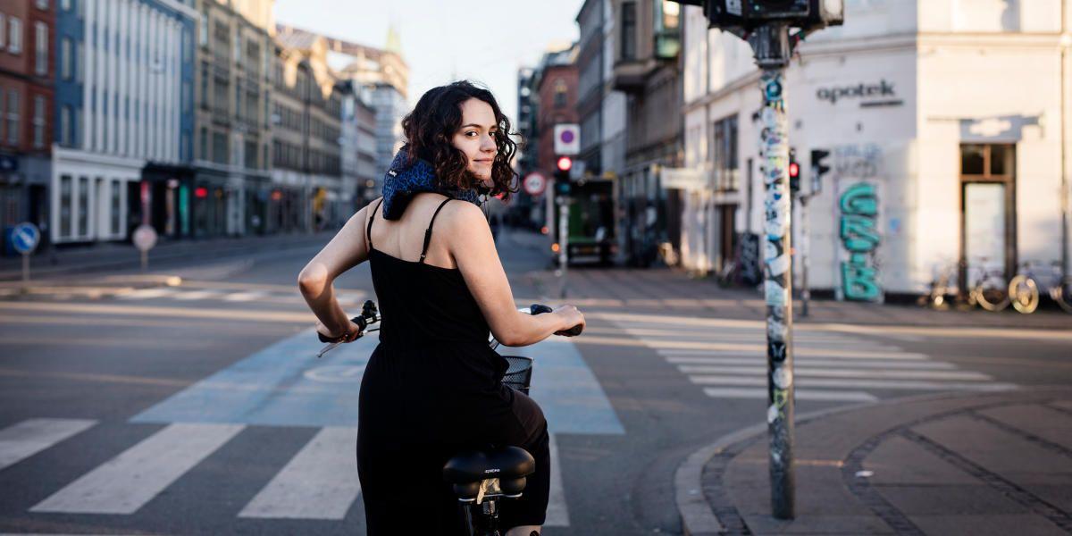 fahrrad airbag ein unsichtbarer helm sorgt f r mehr. Black Bedroom Furniture Sets. Home Design Ideas